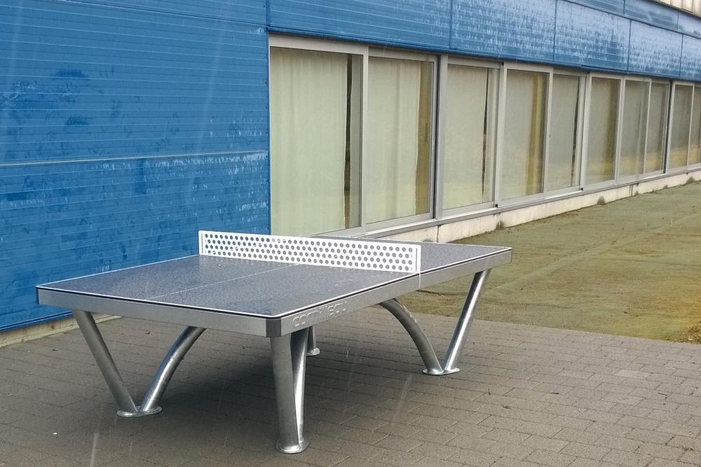 Cornilleau Park Tisch beim Tennisclub Dietlikon