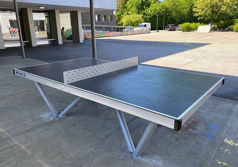Outdoor Tischtennistisch in Bern - Pausenplatz